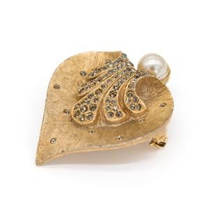 Винтажная брошь «Любящее сердце»