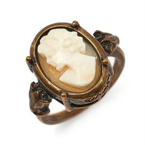 Кольцо с ракушкой Extasia